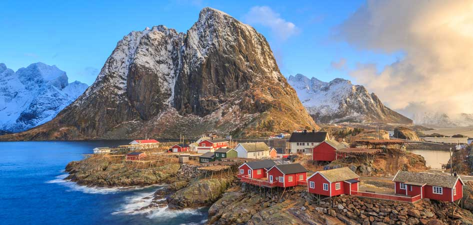 Travelibro Travel Blog Picturesque Villages Around The World Reine Lofoten Island Norway