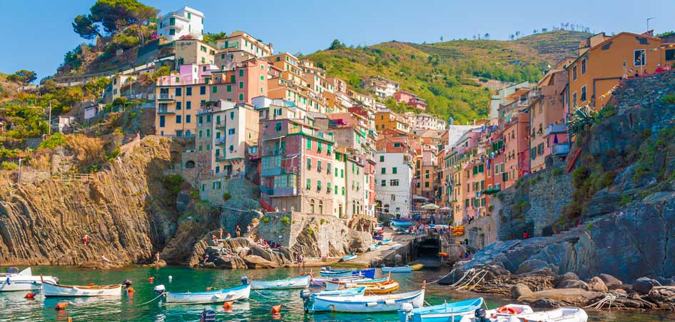 Travelibro Travel Blog Picturesque Villages Around The World Riomaggiore Cinque Terra Italy