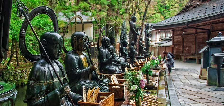Okunoin Cemetery, Koyasan, Japan, Top 10 Soul Searching Destinations of the World, TraveLibro Travel Blog