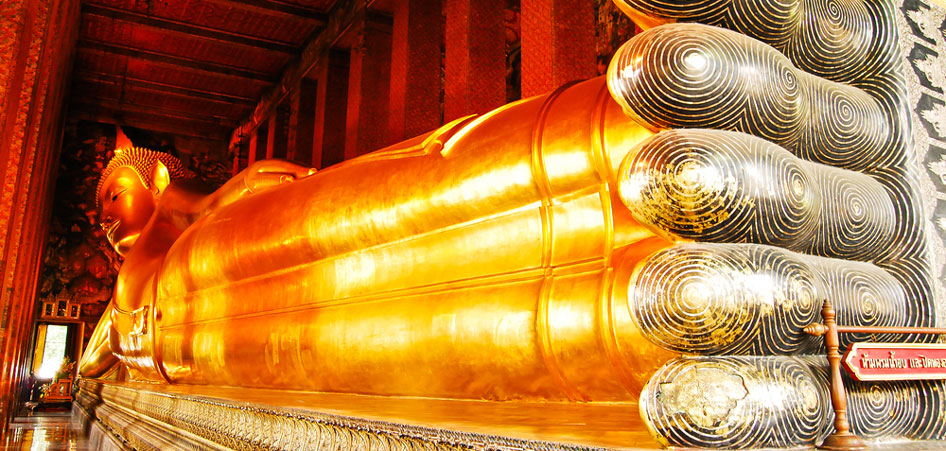 Reclining Buddha, Thailand, Interview With ChapterTravel : An Insight Into The Lives Of Jeffrey And Lisanne | TraveLibro Travel Blog