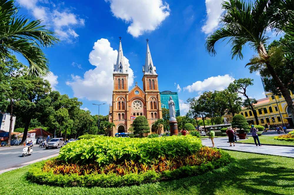 travelibro Vietnam Da Lat Hanoi Ho Chi Minh City Hoi An Hue Mui Ne Nha Trang Sa Pa Explore Vietnam Saigon Notre Dame Cathedral