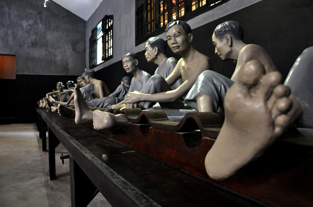 travelibro Vietnam Da Lat Hanoi Ho Chi Minh City Hoi An Hue Mui Ne Nha Trang Sa Pa Explore Vietnam Hoa Lo Prison