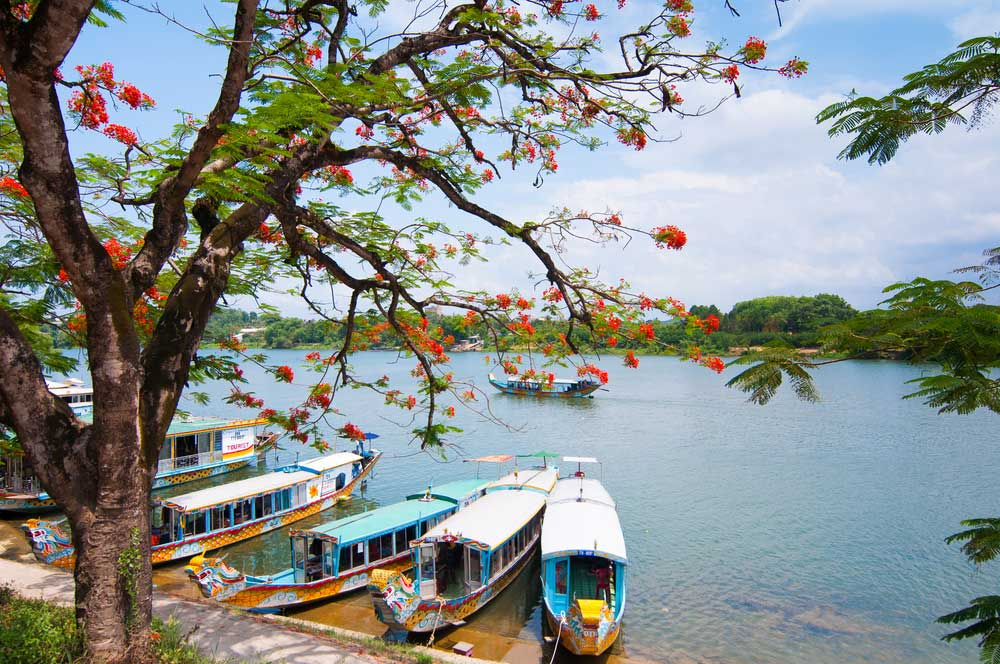 travelibro Vietnam Da Lat Hanoi Ho Chi Minh City Hoi An Hue Mui Ne Nha Trang Sa Pa Explore Vietnam Perfume River Boat Trip