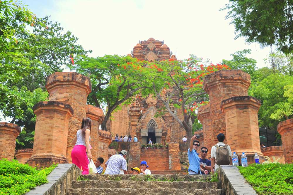 travelibro Vietnam Da Lat Hanoi Ho Chi Minh City Hoi An Hue Mui Ne Nha Trang Sa Pa Explore Vietnam Po Nagar Cham Tower