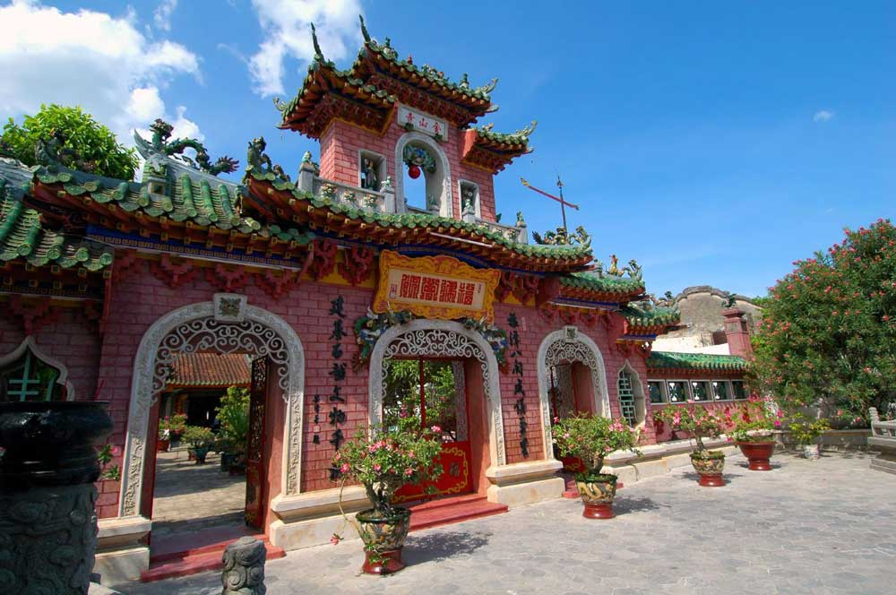 Fujian assembly hall hoi an bernard tey via flickr