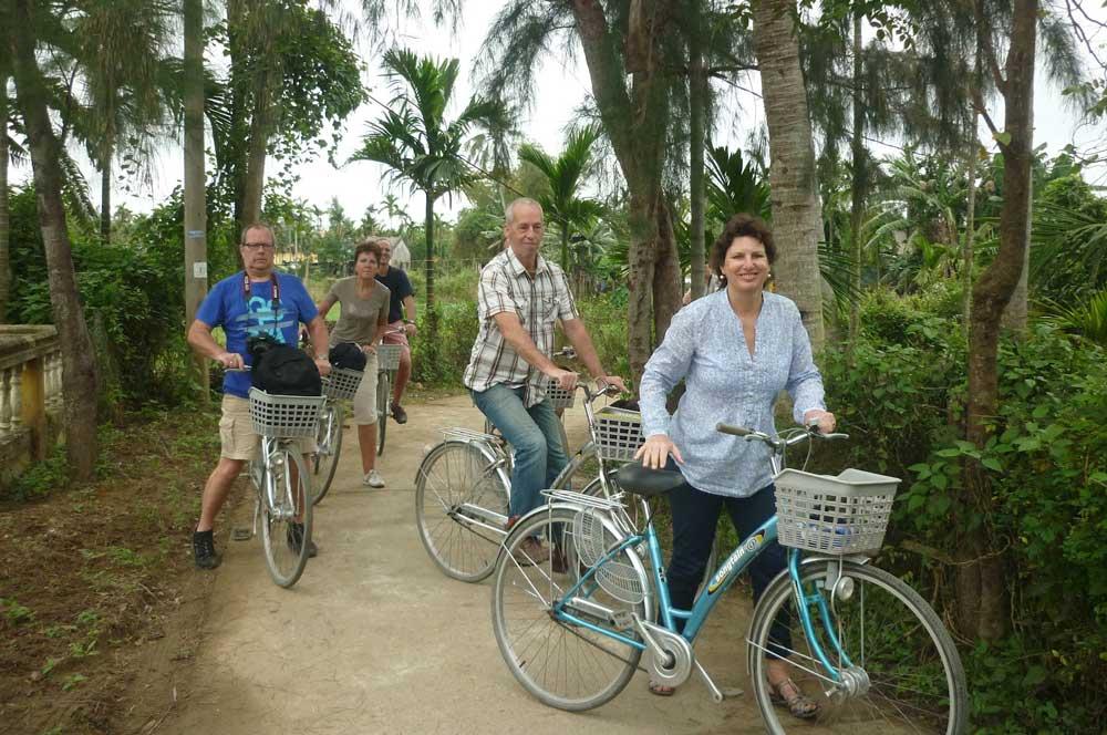 travelibro Vietnam Da Lat Hanoi Ho Chi Minh City Hoi An Hue Mui Ne Nha Trang Sa Pa Explore Vietnam Free Bike Tour