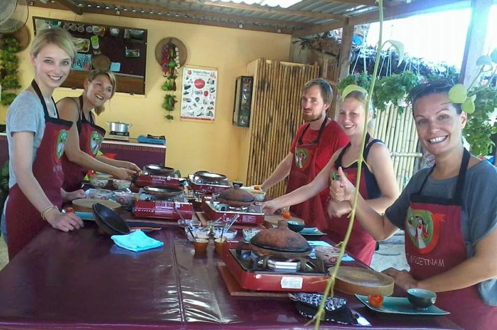 travelibro Vietnam Da Lat Hanoi Ho Chi Minh City Hoi An Hue Mui Ne Nha Trang Sa Pa Explore Vietnam Vietnamese Cooking Class