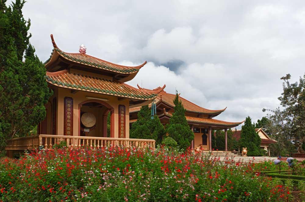 travelibro Vietnam Da Lat Hanoi Ho Chi Minh City Hoi An Hue Mui Ne Nha Trang Sa Pa Explore Vietnam Thien Vuong Pagoda