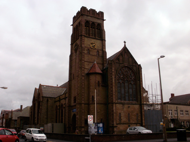 travelibro United Kingdom Blackpool Cumbria Edinburgh Glasgow London Torquay UK Family Holy Trinity Church