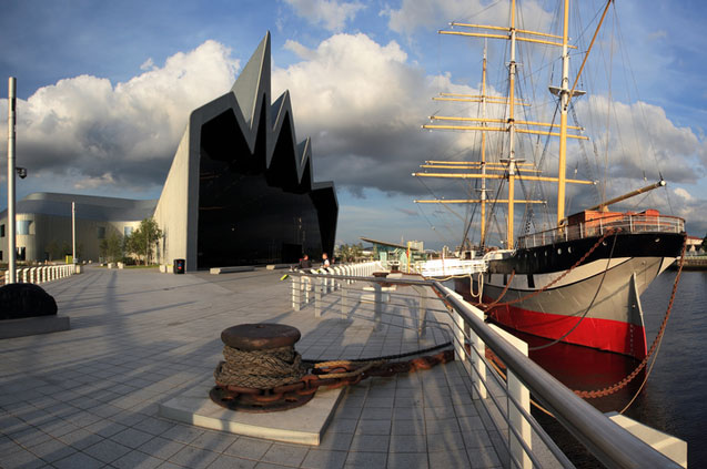 travelibro United Kingdom Blackpool Cumbria Edinburgh Glasgow London Torquay UK Family Riverside Museum