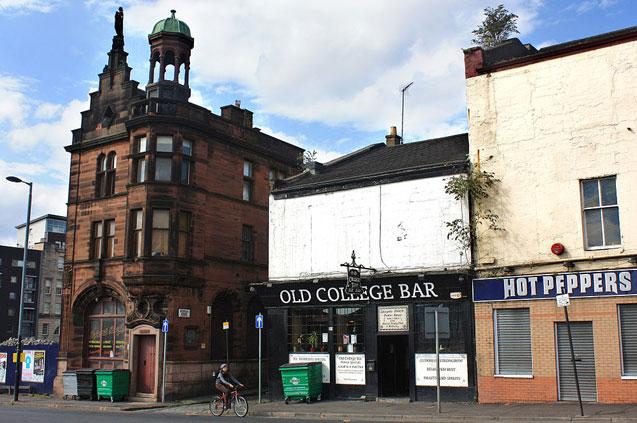 travelibro United Kingdom Bath Bristol Edinburgh Glasgow Great Milton London UK Luxury Pub Crawl