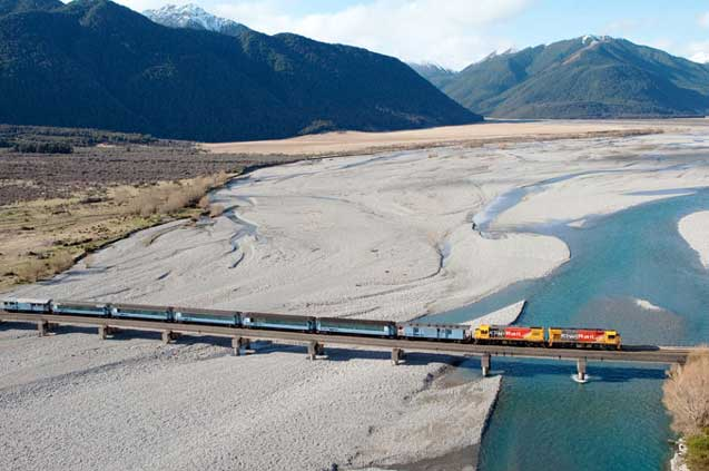 travelibro New Zealand Auckland Christchurch Franz Josef Queenstown Rotorua Taupo Wanaka Wellington Whitianga NZ Honeymoon Tranz Alpine Express