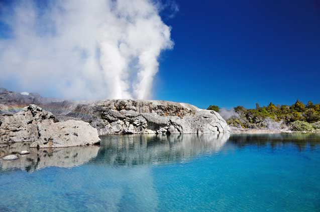 travelibro New Zealand Auckland Rotorua Taupo North New Zealand Pohutu Geyser