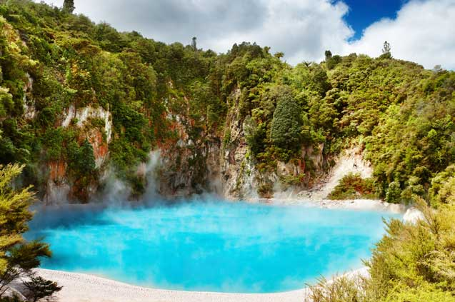 travelibro New Zealand Auckland Christchurch Franz Josef Queenstown Rotorua Wellington New Zealand Budget Waimangu Volcanic Valley
