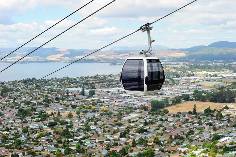 travelibro New Zealand Auckland Christchurch Dunedin Franz Josef Queenstown Rotorua Taupo Waitomo Caves Wellington NZ Backpacking Skyline Gondola