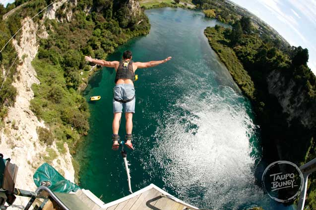 travelibro New Zealand Auckland Christchurch Franz Josef Queenstown Rotorua Taupo Waitomo Caves Whitianga New Zealand Adventure Taupo Bungy