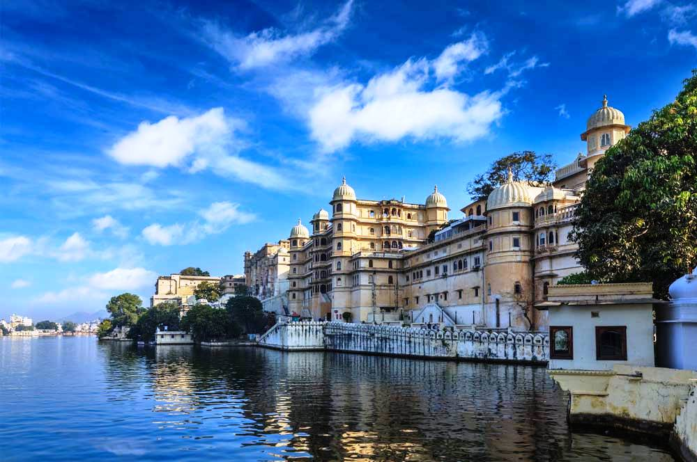 Lake pichola via sht stk