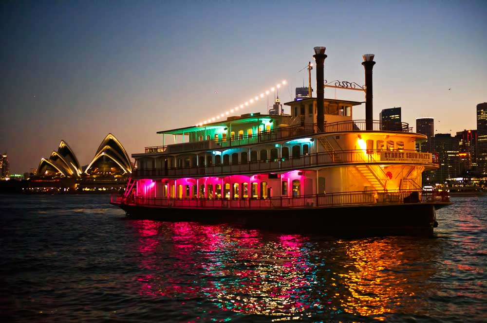 34. sydney showboat cruise aussiedestinationtours.com