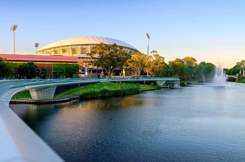 travelibro Australia Adelaide Brisbane Broome Darwin Gold Coast Melbourne Perth Sydney Whitsundays Australia Backpacking Adelaide Oval