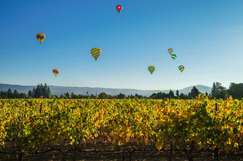 2.hot air ballooning napa valley shutterstock