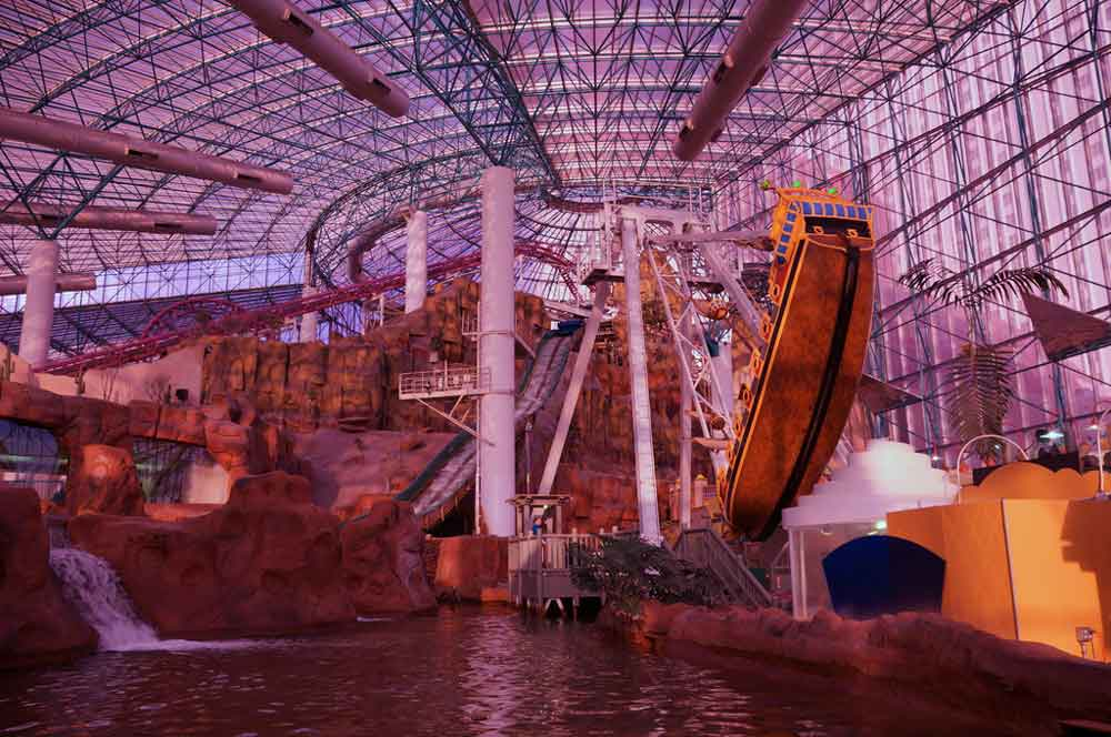 9.adventuredome las vegas allie caulfield via flickr