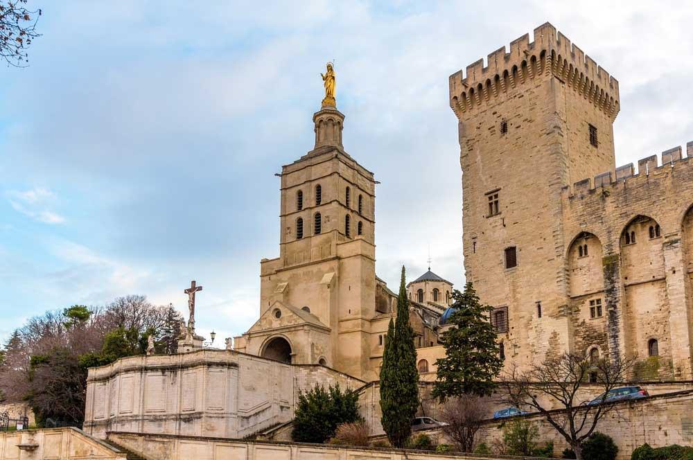 travelibro France Avignon Bordeaux Lille Lyon Marseille Nice Paris Strasbourg Toulouse France Backpacking Golden Notre Dame des Doms