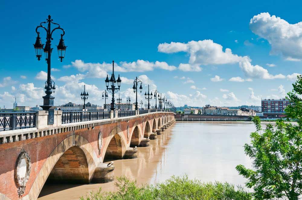 travelibro France Avignon Bordeaux Lille Lyon Marseille Nice Paris Strasbourg Toulouse France Backpacking Pont de Pierre