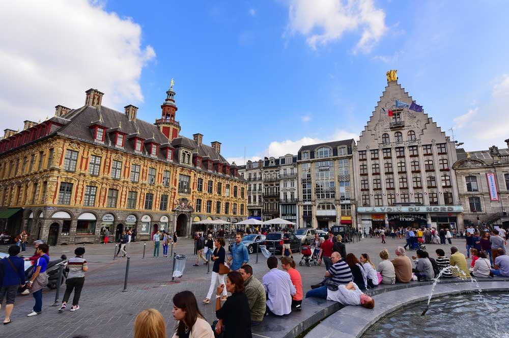 travelibro France Avignon Bordeaux Lille Lyon Marseille Nice Paris Strasbourg Toulouse France Backpacking  La Vieille Bourse