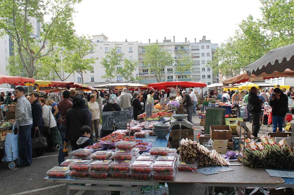 travelibro France Avignon Bordeaux Lille Lyon Marseille Nice Paris Strasbourg Toulouse France Backpacking Open Markets