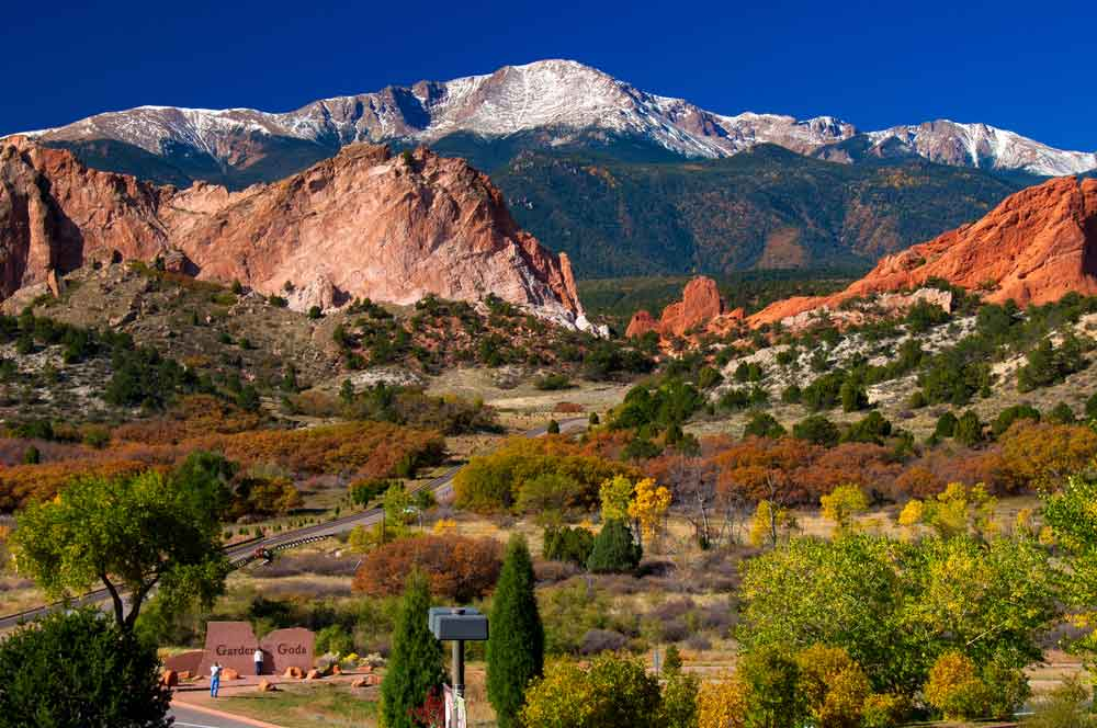 travelibro United States of America Colorado Springs Grand Canyon Hershey Los Angeles New York Orlando San Antonio Washington, D.C. Yellowstone National Park USA Family Garden of the Gods