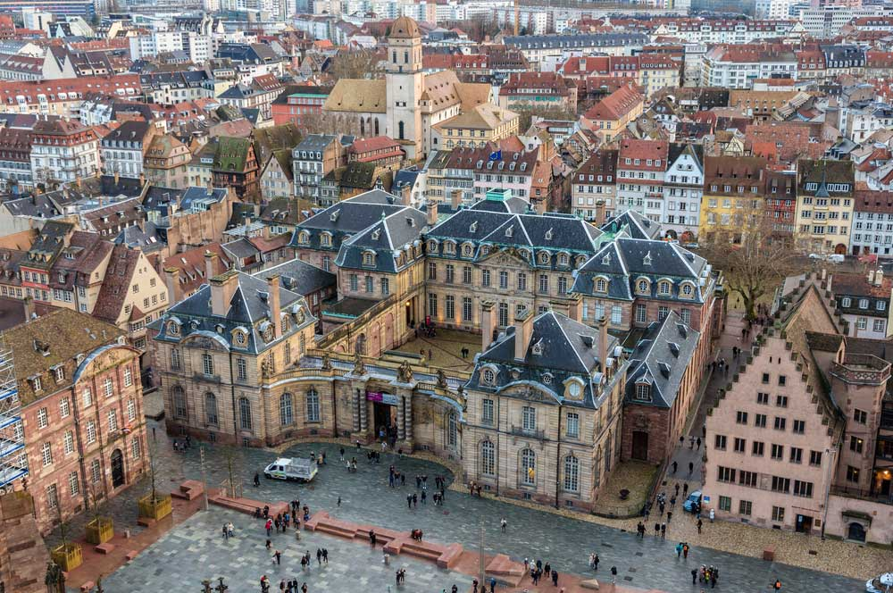travelibro France Avignon Bordeaux Lille Lyon Marseille Nice Paris Strasbourg Toulouse France Backpacking Rohan Palace