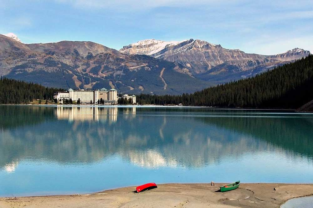 travelibro Canada Banff Montreal Toronto Vancouver Whistler Canada Budget Trip to Lake Louise