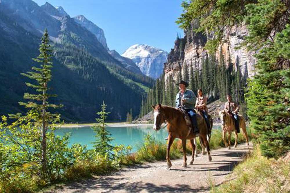 travelibro Canada Jasper Lake Louise Montreal Tofino Toronto Vancouver Whistler Canada Adventure Lake Agnes Horseback Ride Trail