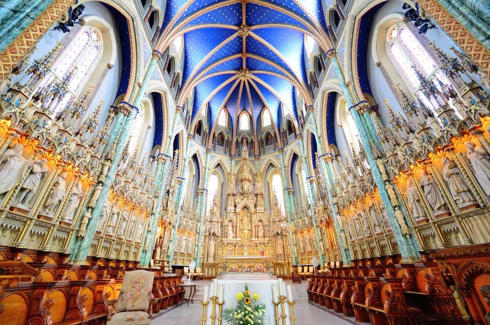travelibro Canada Banff Halifax Jasper Kelowna Montreal Ottawa Quebec City Toronto Vancouver Canada Backpacking Notre-Dame Cathedral Basilica
