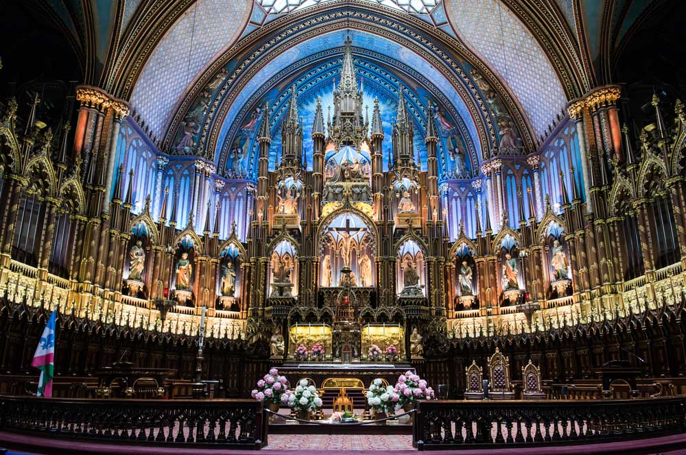 travelibro Canada Banff Montreal Niagara-on-the-Lake Quebec City Toronto Vancouver Victoria Whistler Canada Honeymoon Notre-Dame Basilica