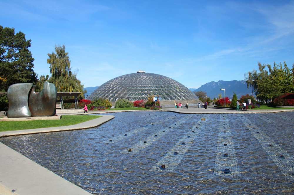 travelibro Canada Calgary Fernie Montreal Ottawa Quebec City Toronto Vancouver Canada Family Queen Elizabeth Park