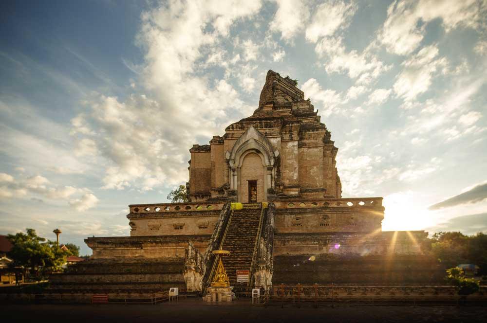 travelibro Thailand Bangkok Chiang Mai Hua Hin Ko Samui Pattaya Phuket Thailand Backpacking Wat Chedi Luang