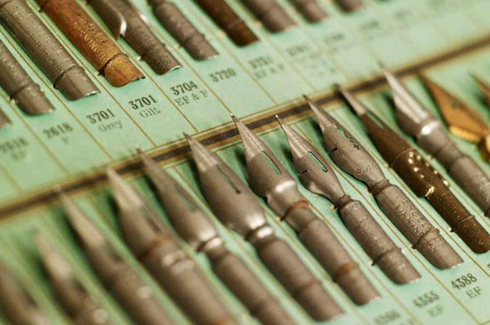travelibro United Kingdom Birmingham Leeds Liverpool London Newcastle UK Budget Pen Museum