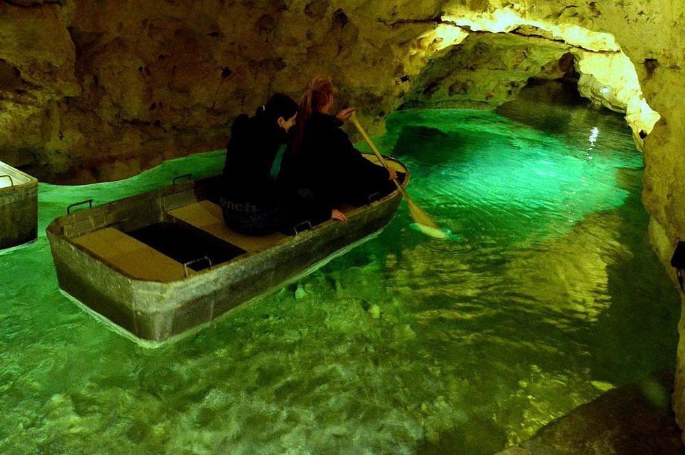travelibro Hungary Budapest Heviz Lillafured Pecs Sarvar Siofok Visegrad Honeymoon in Hungary Tapolca Caves