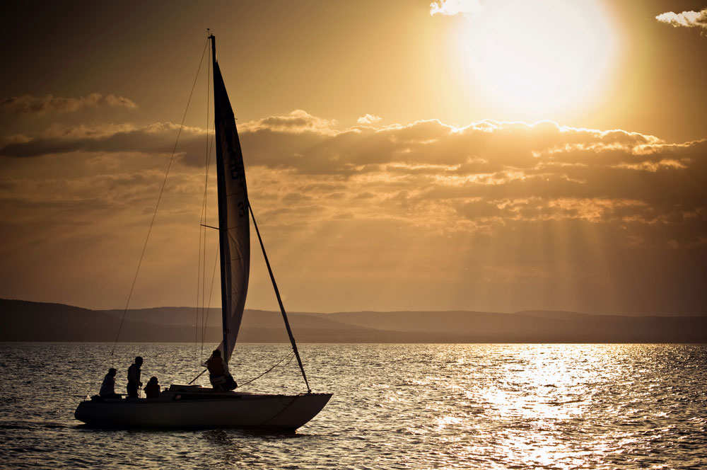 travelibro Hungary Budapest Heviz Lillafured Pecs Sarvar Siofok Visegrad Honeymoon in Hungary Go Sailing