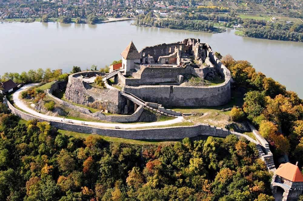 travelibro Hungary Budapest Heviz Lillafured Pecs Sarvar Siofok Visegrad Honeymoon in Hungary Visegrad Castle